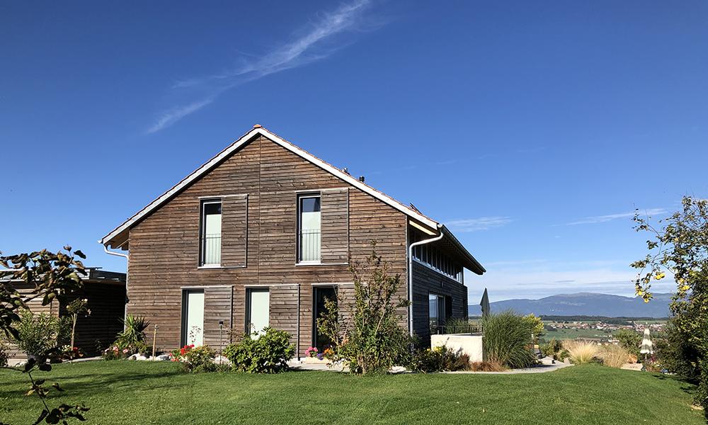 Villa en bois vue d'extérieur