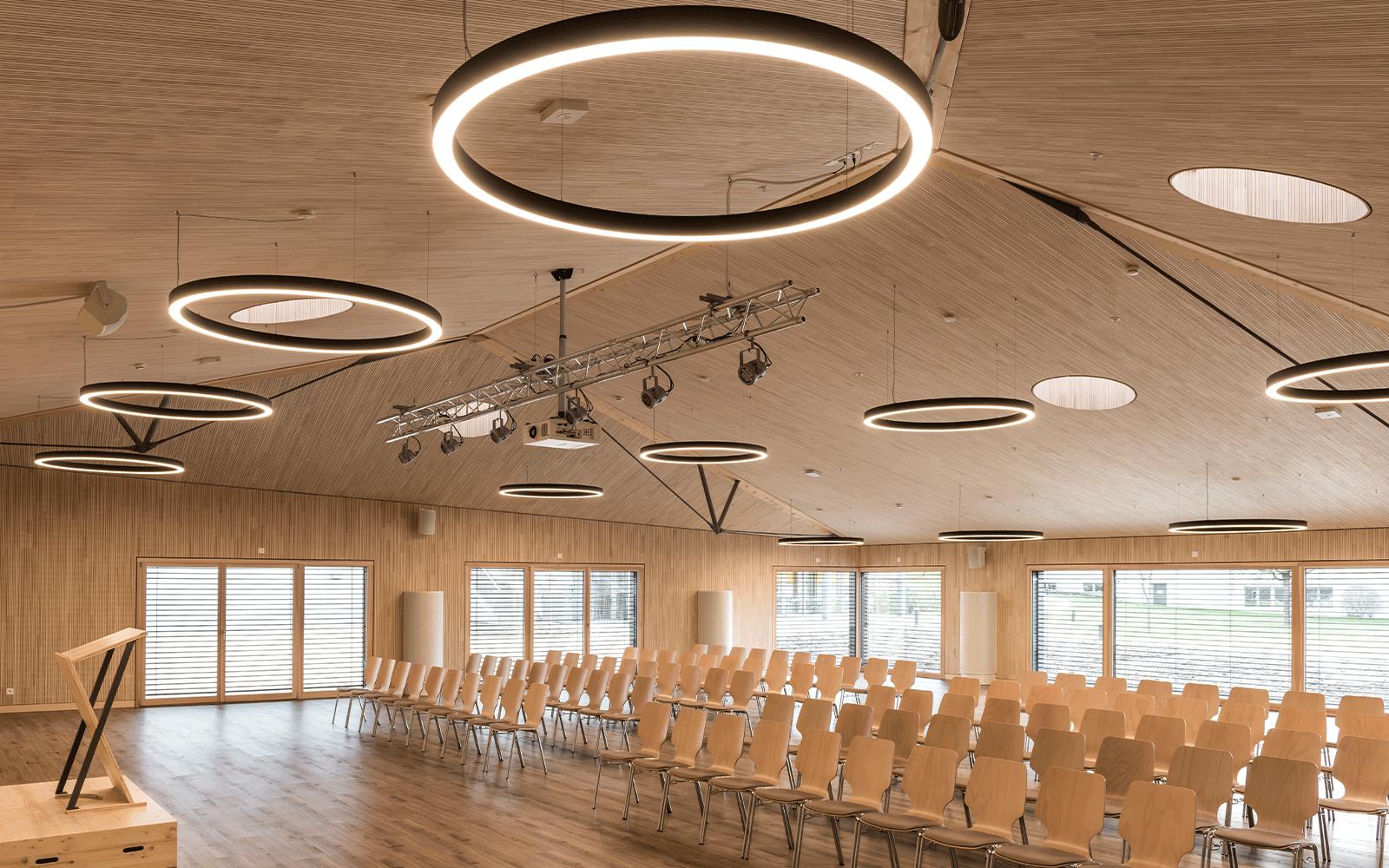 Salle intérieur bois