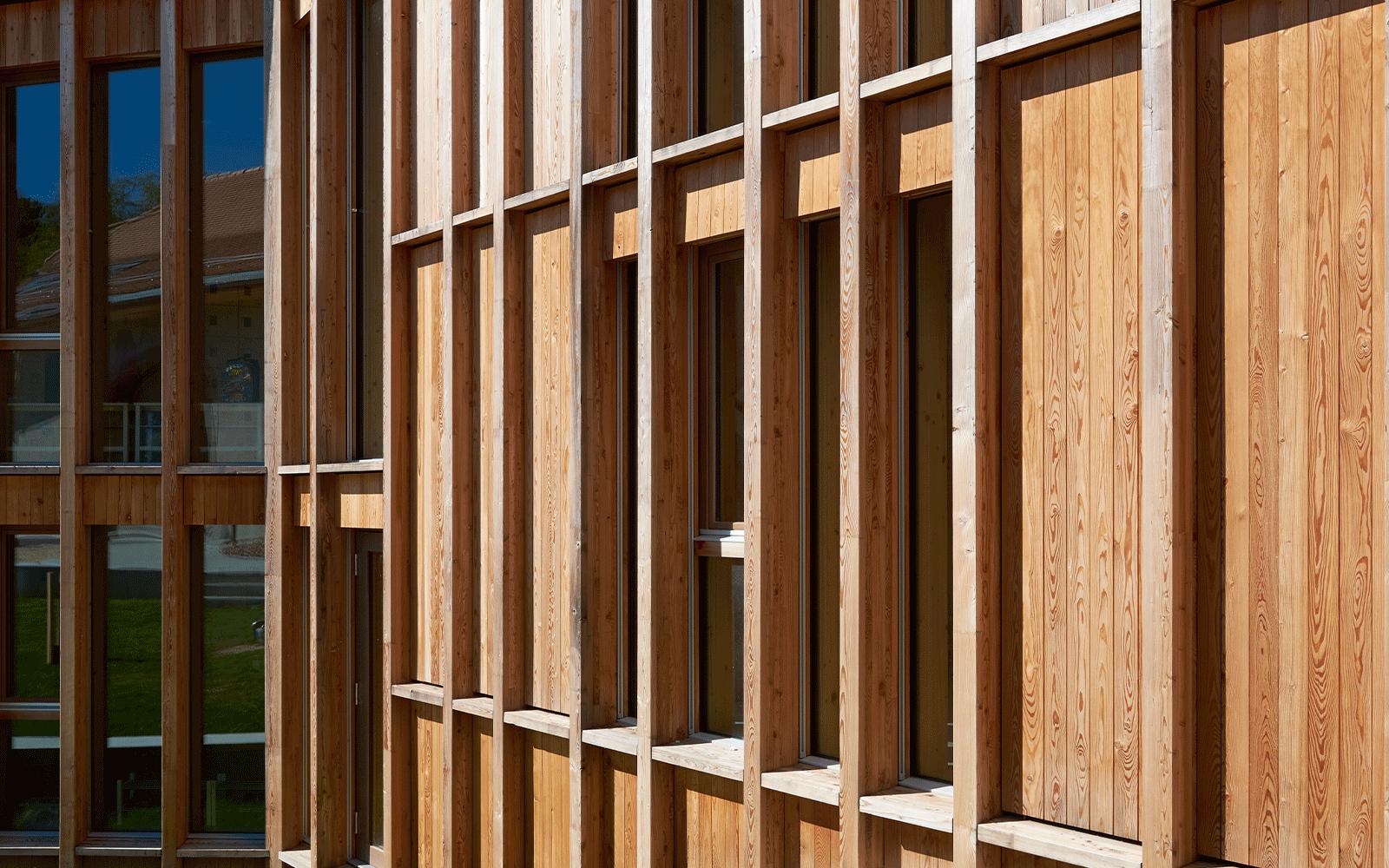 Façade extérieure en bois